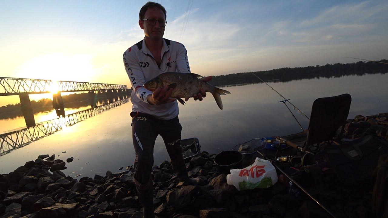 Риболовля на Новій Набережній в Київі