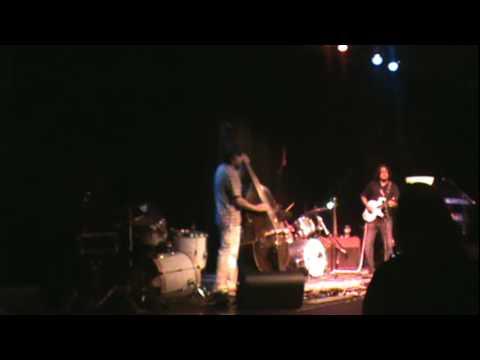 SAMOSA MUSIC -Mithi Sour- Fusion music artist.MPG