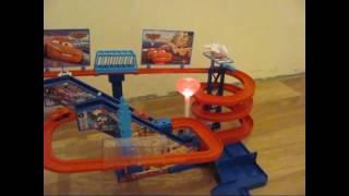 Видеообзор детская игрушка - ТРЕКИ, ПАРКИНГИ, ГАРАЖИ, ТАЧКИ (kidtoy.in.ua)(Заказать: https://vk.com/album-47667519_169904905 Интернет-магазин детских игрушек и хозтоваров KIDTOY - http://kidtoy.in.ua ВК - http://vk.com/ki..., 2014-11-26T20:36:22.000Z)