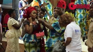 See How Dele Odule Sprays His Wife Money As They Both Dance Heartily On His 40years on Stage