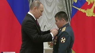 Ученые, журналисты и деятели культуры: Путин в Кремле вручил государственные награды