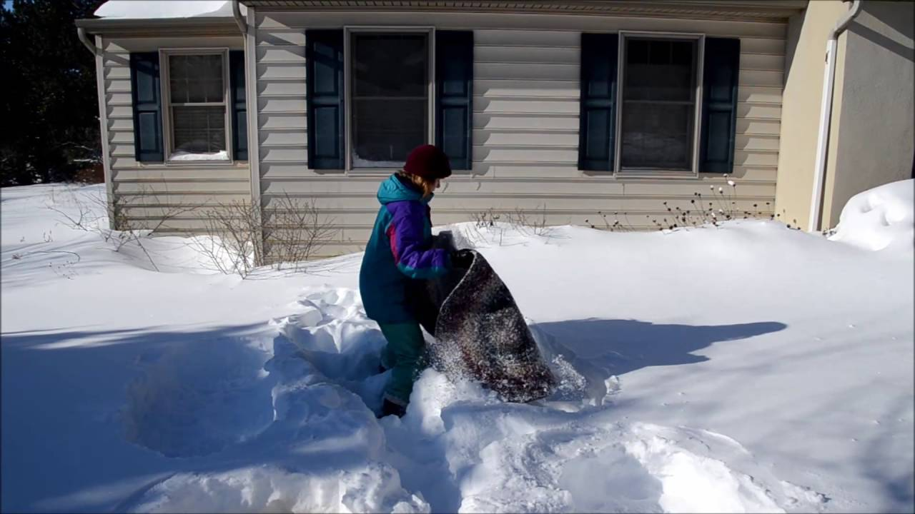 Snow Cleaning A Braided Rug 2016 Youtube