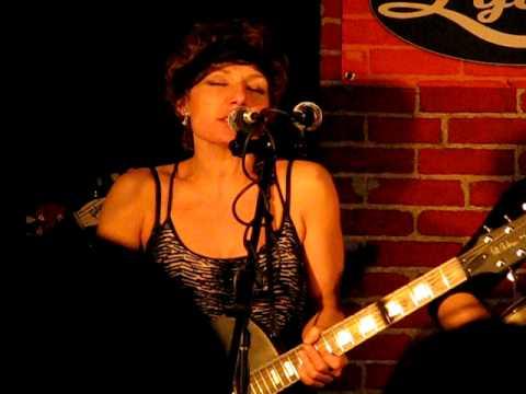 "Kamila Martel & The Ne'er Do Wells - ""My Baby's Blue"" - Live @ Lydia's Pub"