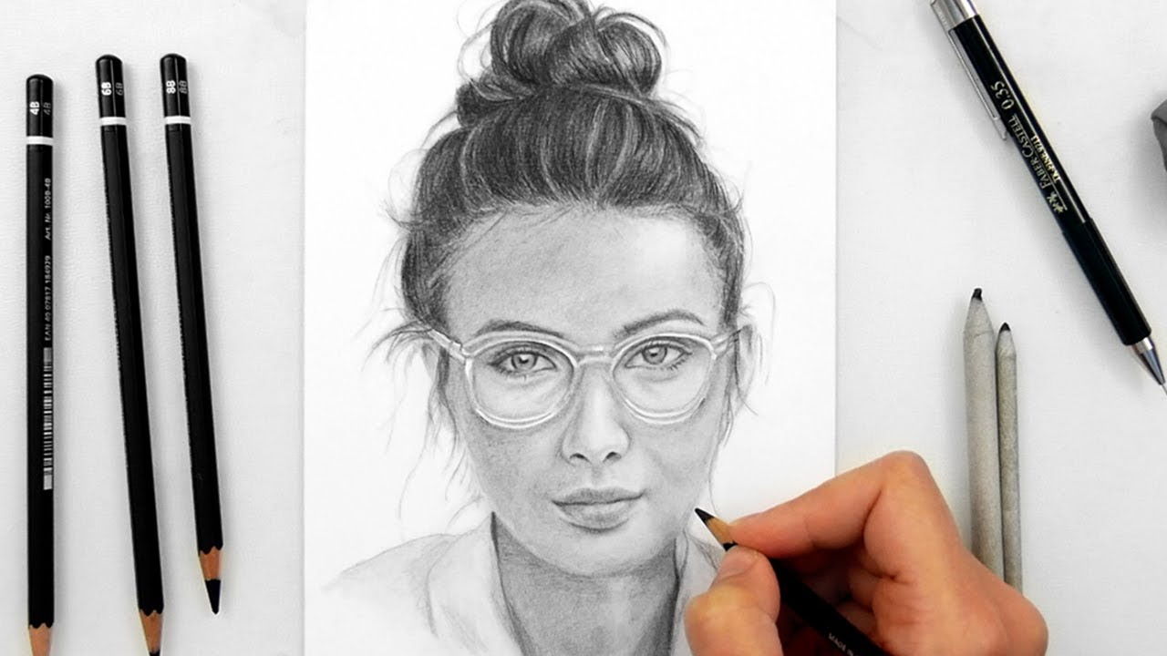 Drawing a woman with glasses with staedtler graphite pencils