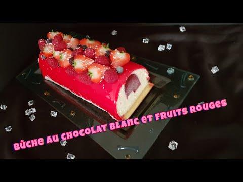 recette-e-bûche-de-noël-au-chocolat-blanc-et-fruits-rouges