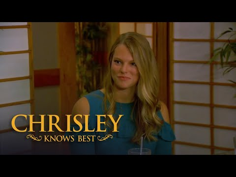 Chrisley Knows Best | Season 6, Episode 3: Chase's Totally Awkward Date With Two Women
