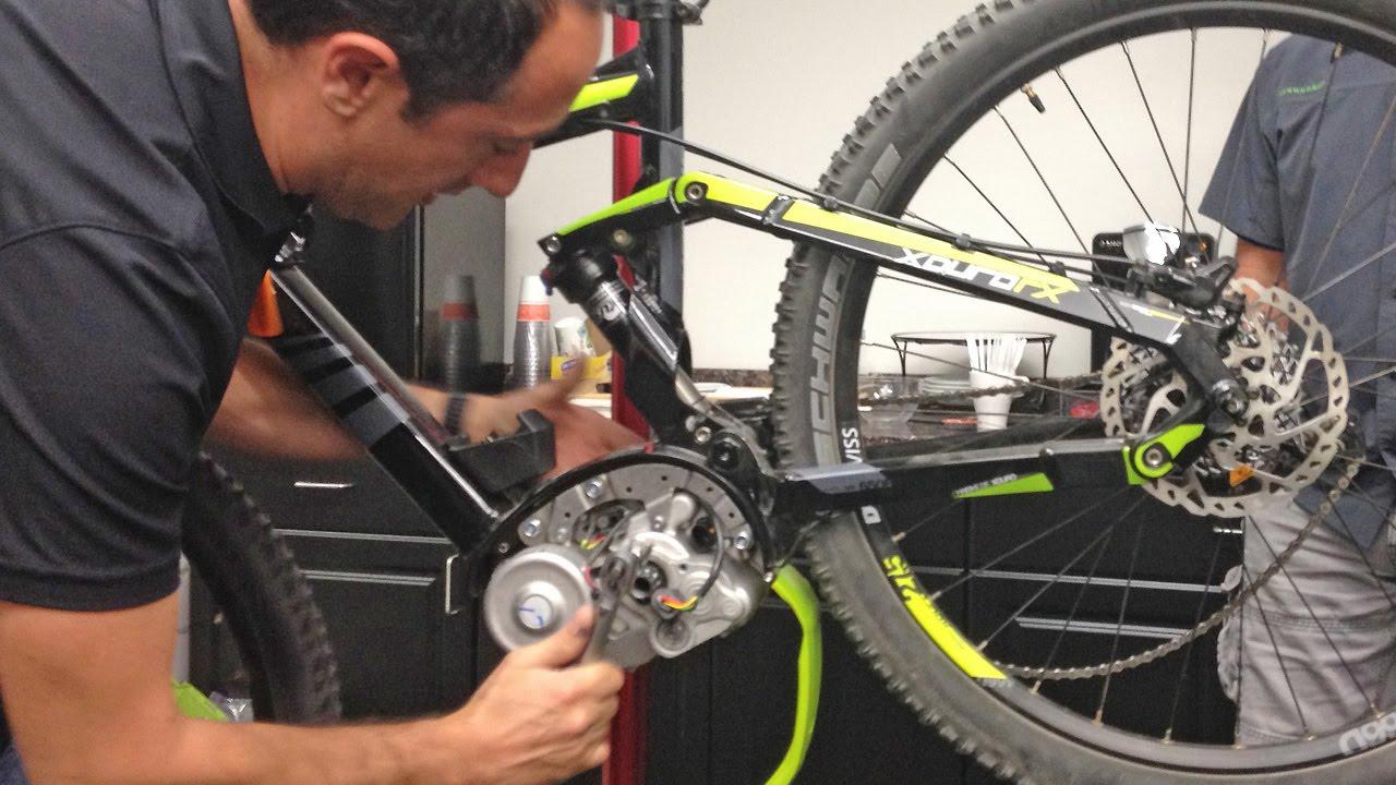 servicing a bosch gen 2 centerdrive electric bike motor inside of a bosch mid drive youtube [ 1280 x 720 Pixel ]