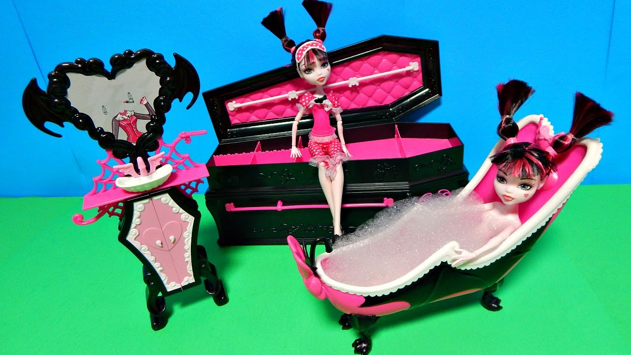 Monster High Draculaura Dead Tired Doll Powder Room Coffin Bed