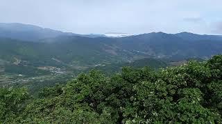 백두대간 대덕산에서 바라본 삼봉산