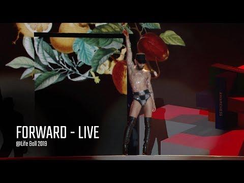 Смотреть клип Conchita Wurst - Forward