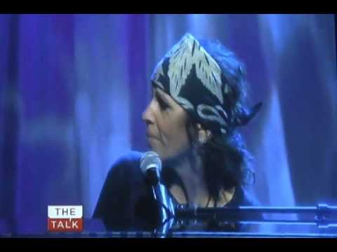 "Linda Perry - ""A Letter to God"" performed on The Talk 5/08/12"