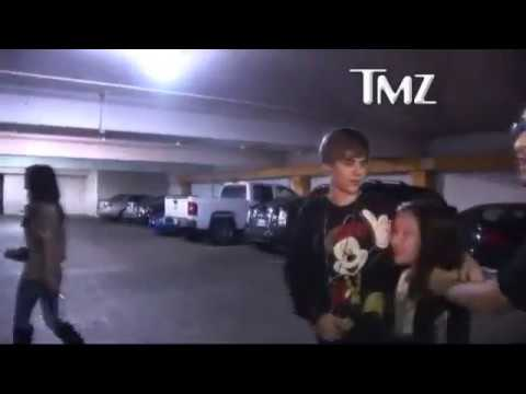 Selena Gomez slaps Justin Bieber on stage in Washington!!!