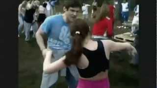 Англия обсырает Украину!(Взяв за основу видео с YouTube о том как россияне танцуют рейв в лесу букмекерская контора Paddy Power сняла ролик..., 2012-06-04T13:34:56.000Z)