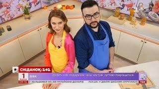 Співачка TAYANNA приготувала салат з фунчозою разом із Русланом Сенічкінім