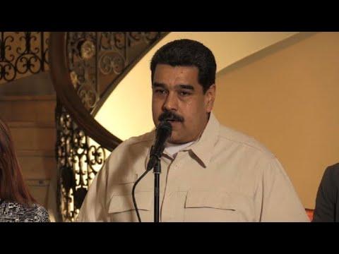 """Maduro dice que elecciones serán en abril """"con o sin"""" oposición"""
