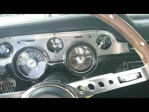 1967 Mustang cruising in San Fernando Valley with the sound of the original AM/FM radio!