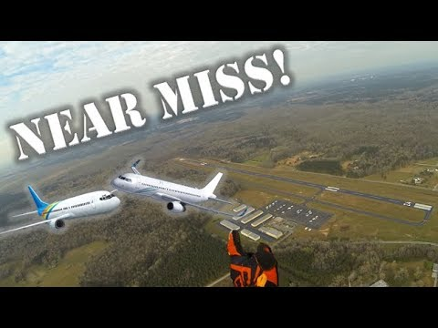 Watching 2 Airplanes Almost Collide in MID AIR!