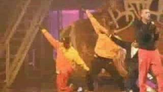 Chris Brown - Picture Perfect / (OFFICIAL) In Live