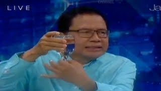 "Seperti "" Gelas Anggur "" Ekonomi Indonesia Bahaya ! - Rizal Ramli"