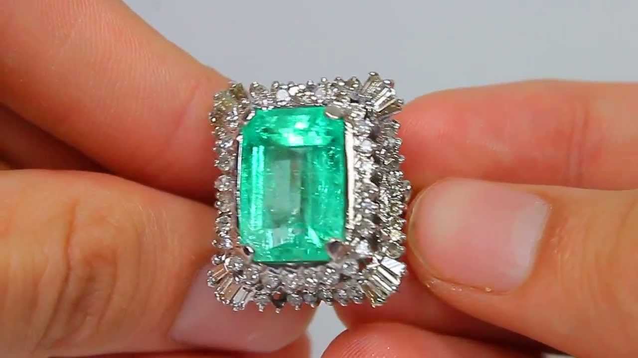 Simply Stunning And Substantial Vintage Colombian Emerald & Diamond  Cocktail Ring 14k 1530 Carats