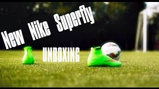 NEW Nike Superfly 4 Green CR7 (Unboxing + On Feet)