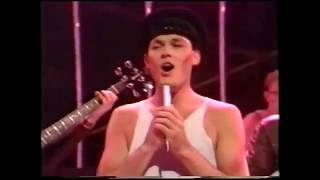 The Associates - Club Country (TOTP) (1982) (HQ)