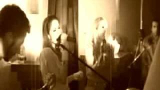 Paola & Chiara - Amoremidai (live @ G-Lounge 27/06/2003)