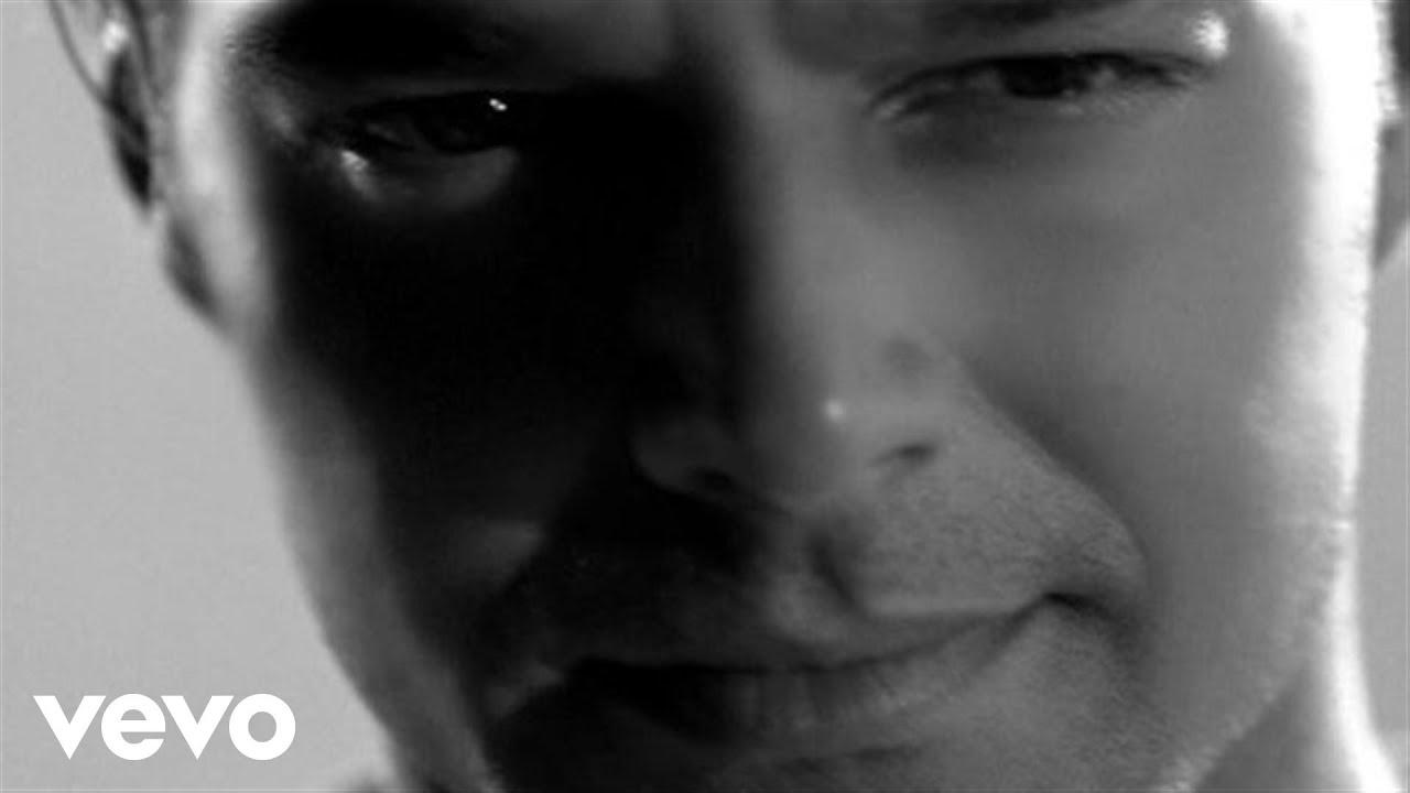 Download Ricky Martin - Juramento (Official Music Video)