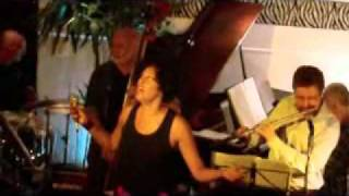 Baixar Sanny Alves cantando Linda Flôr no Triboz  27 05 11