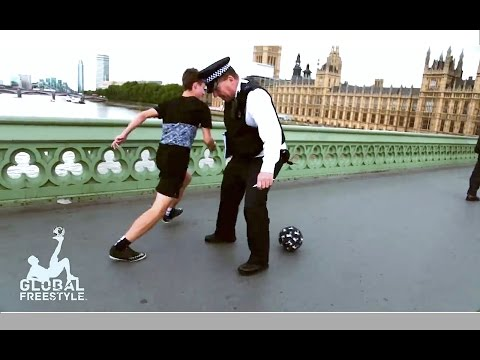 JACK DOWNER - PANNA ON THE PUBLIC // AMAZING STREET SOCCER