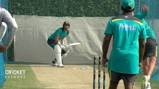Renshaw relishes the heat as Australia hit the nets