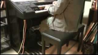 今更ですが2010年に放送していた、オカルト学院の終わりに掛る曲を弾い...