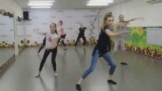 Фрагмент урока современного танца с