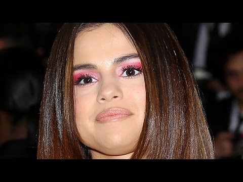 Selena Gomez Dissed By 13 Reasons Why Cast?