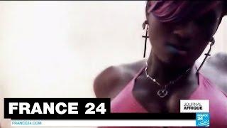 """Download Video Loi anti-pornographie : Une chanteuse emprisonnée pour un clip jugé """"obscène"""" - OUGANDA MP3 3GP MP4"""