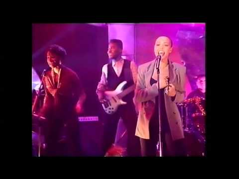 Kim Appleby  - Don't worry  - 1990 Top of the pops