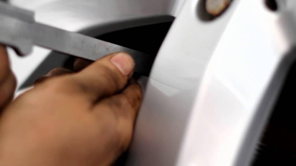 Как измерять толщину тормозных колодок и дисков