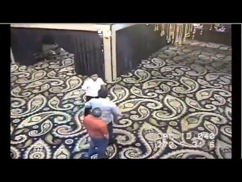 Муж Баян Есентаевой избивает дилера в Казино