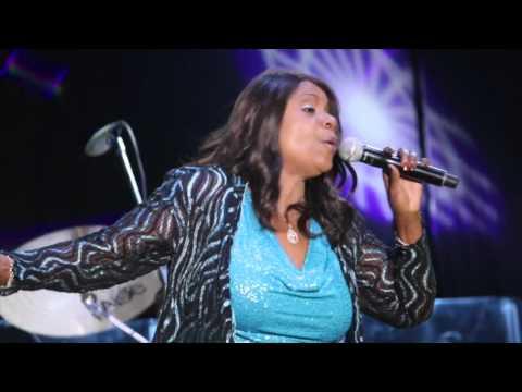 Gloria Gaynor Live in Ensenada Mexico November 7 2015 HD