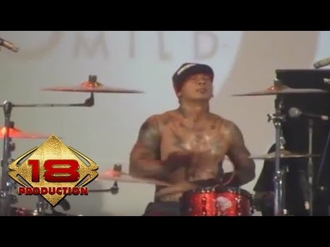 Superman Is Dead - Poppies Dog Anthem (Live Konser Binjai 24 November 2012)