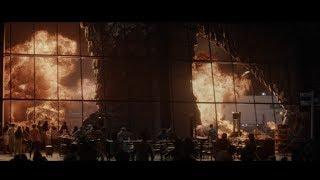 Godzilla (2014) - Airport Scene