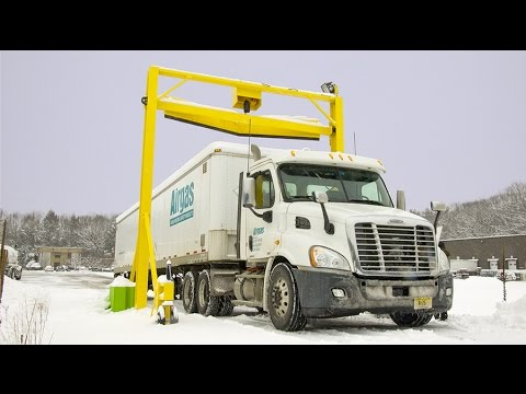 Automated Snow Removal For Truck Trailer Roofs Scraper