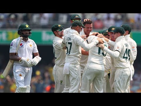 Aussie Quicks Combine To Rip Through Pakistan Top-order