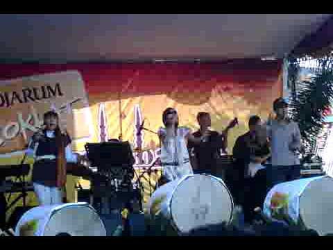 most hits band @ event djarum coklat