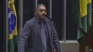 Tiririca diz sair do Congresso decepcionado