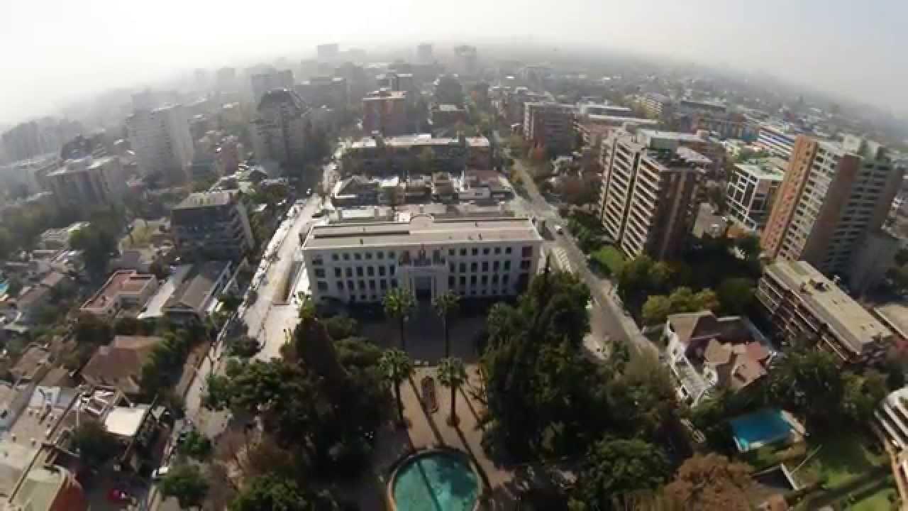 Video aereo plaza u oa santiago chile youtube for Construccion de piscinas santiago chile