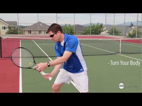 How to Master 3 Basic Tennis Strokes