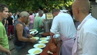 Menschenauflauf im Biergarten: Legendäre Grillabende im Waldhäusle in Waltenhofen