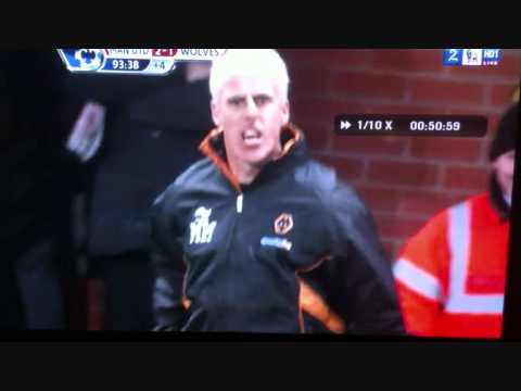 4th official Mark Halsey reacts with disgust as Man Utd score late winner