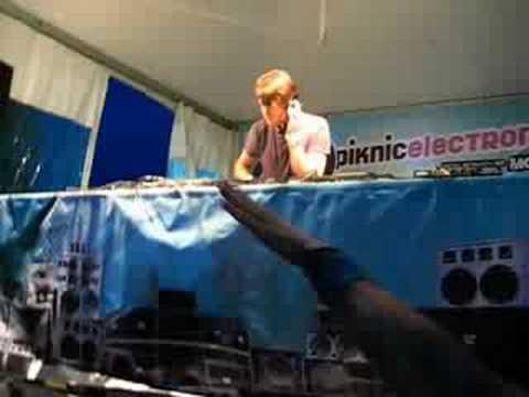 Simon Baker @ Piknic Electronic 10 08 2008 Pt.3